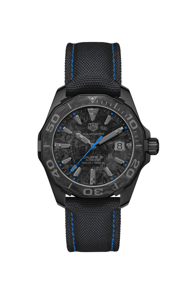 1:1 Replica TAG Heuer Aquaracer Goes Dark With New Carbon